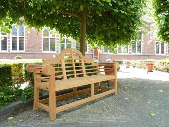 Wilhelina-Luytjens-bench9